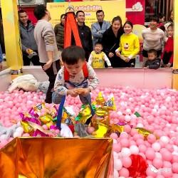义马网红游乐设备真人抓娃娃机尺寸可定制 山东三喜